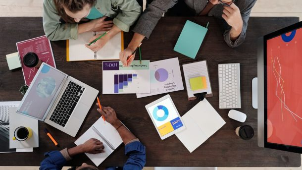 Things You Need to Look at When Hiring Social Media Marketing Agency